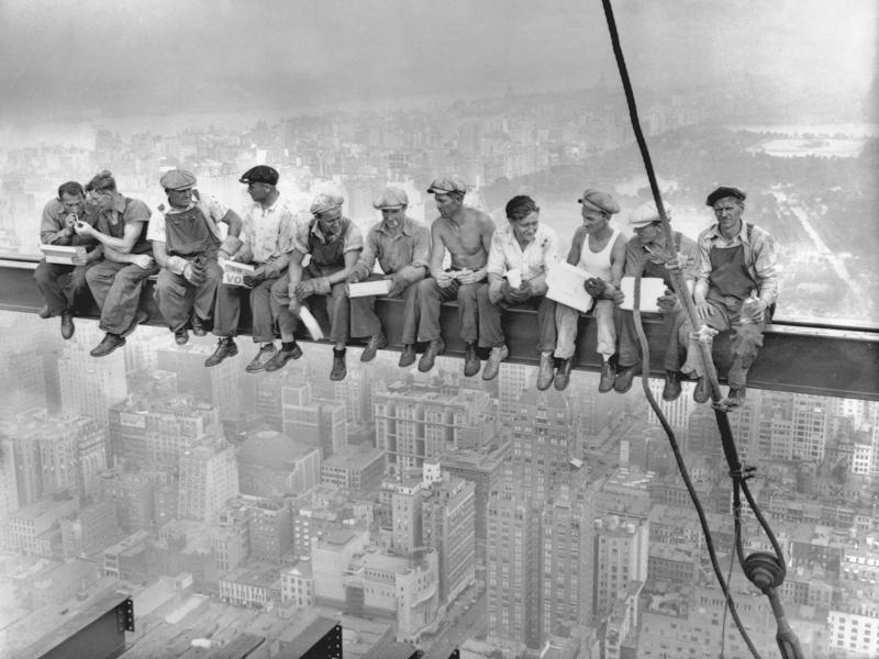 Jak to bylo se slavnou fotkou Oběd na mrakodrapu